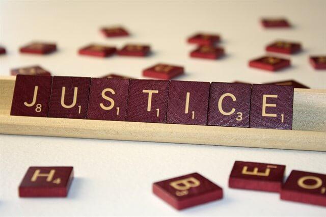 قواعد الأخلاق والفرق بين قواعد القانون وقواعد الأخلاق