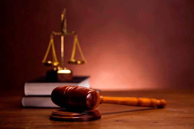 مبادئ القانون الطبيعي وقواعد العدالة كمصدر للقانون