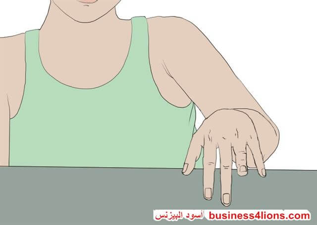 النقر الأصابع أو التطبيل - لغة الجسد