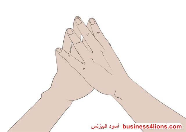 وضع الأصابع معا - لغة الجسد