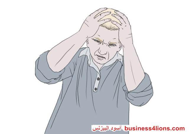 اليدين على الرأس - لغة الجسد
