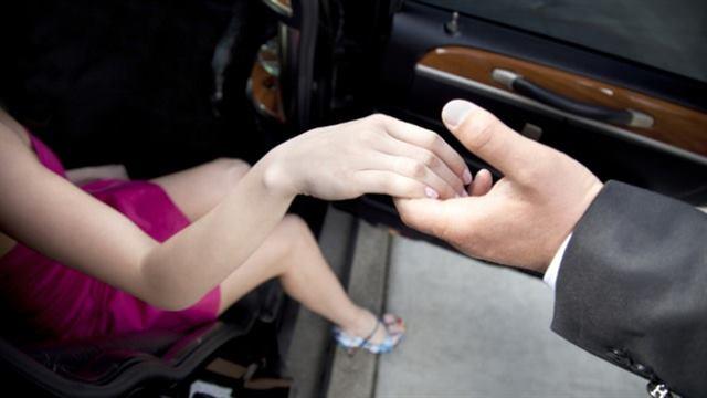 انه شهم - لغة الجسد - علامات الحب عند الرجل