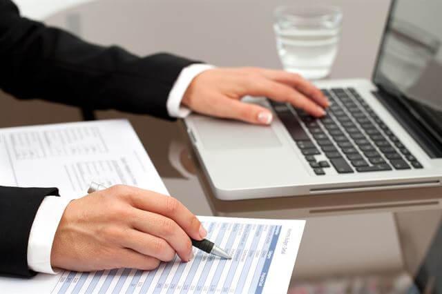 التسويات الجردية المتعلقة بالإيرادات - المقدم والمستحق مع الأمثلة