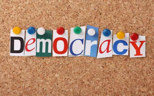 الديمقراطية-مفهوم الديمقراطية وانواعها ومميزاتها وعيوبها