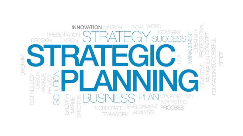 الفرق بين التخطيط الإستراتيجى والتخطيط طويل الأجل