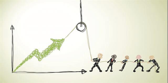 الفرق بين التغييرالإستراتيجى بالدفع والتغيير بالمشاركة