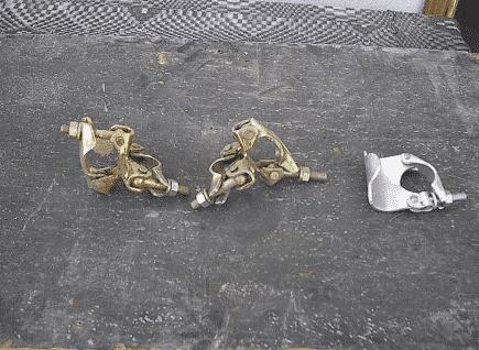 وصلات لربط النهايز مع القوائم المعدنية